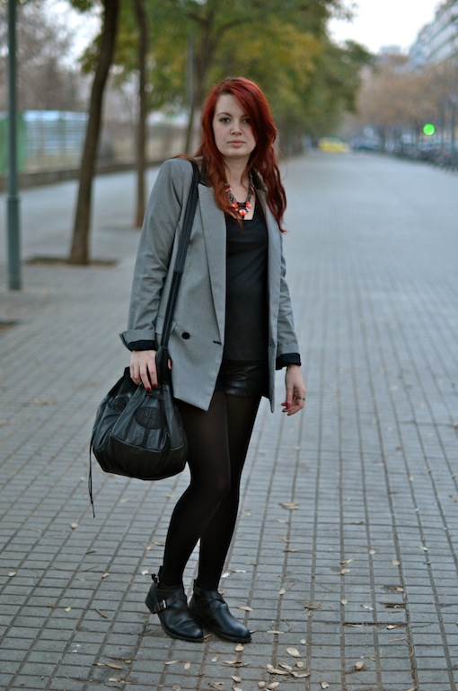 tenue blazer mango short cuir